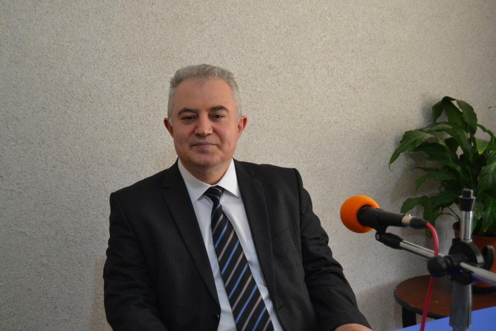 """Mevcut Anayasa halkı boğmaktadır"""