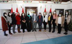 Vali Gökmen Çiçek Kadın Gazetecileri Ağırladı