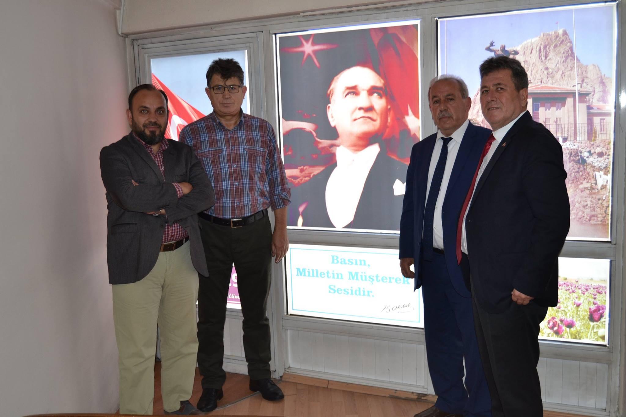 """""""Cumhuriyet kimsesizlerin kimsedir"""""""