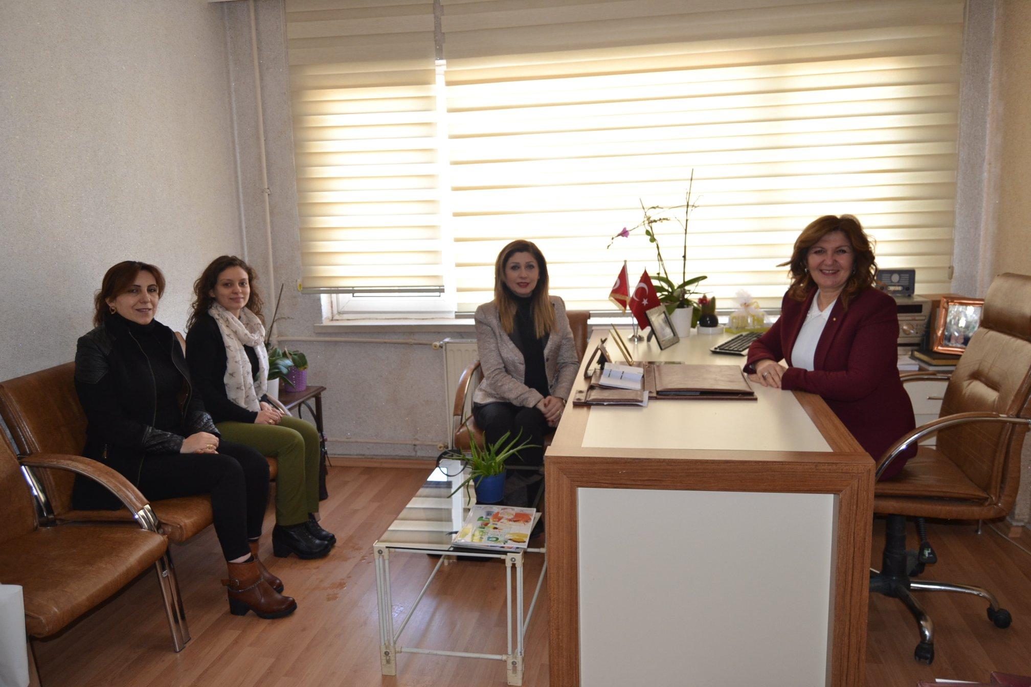 MHP'li kadınlardan Gün FM'e 10 Ocak ziyareti