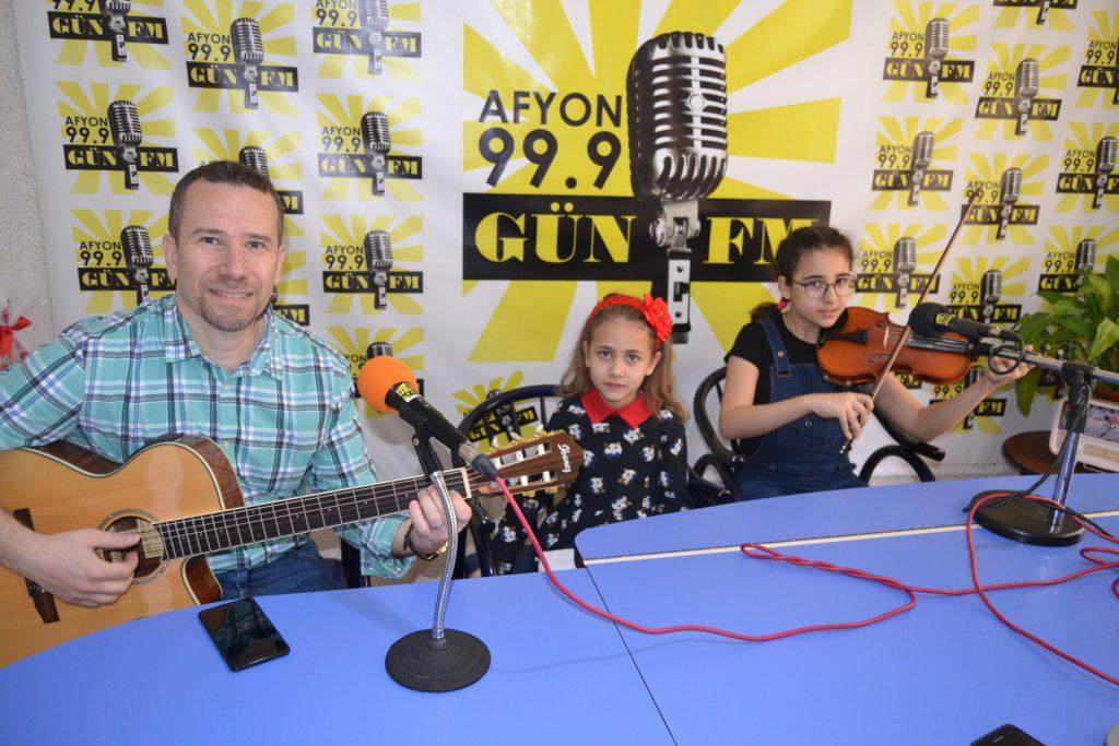 Gün FM'den 23 Nisan'a özel yayın