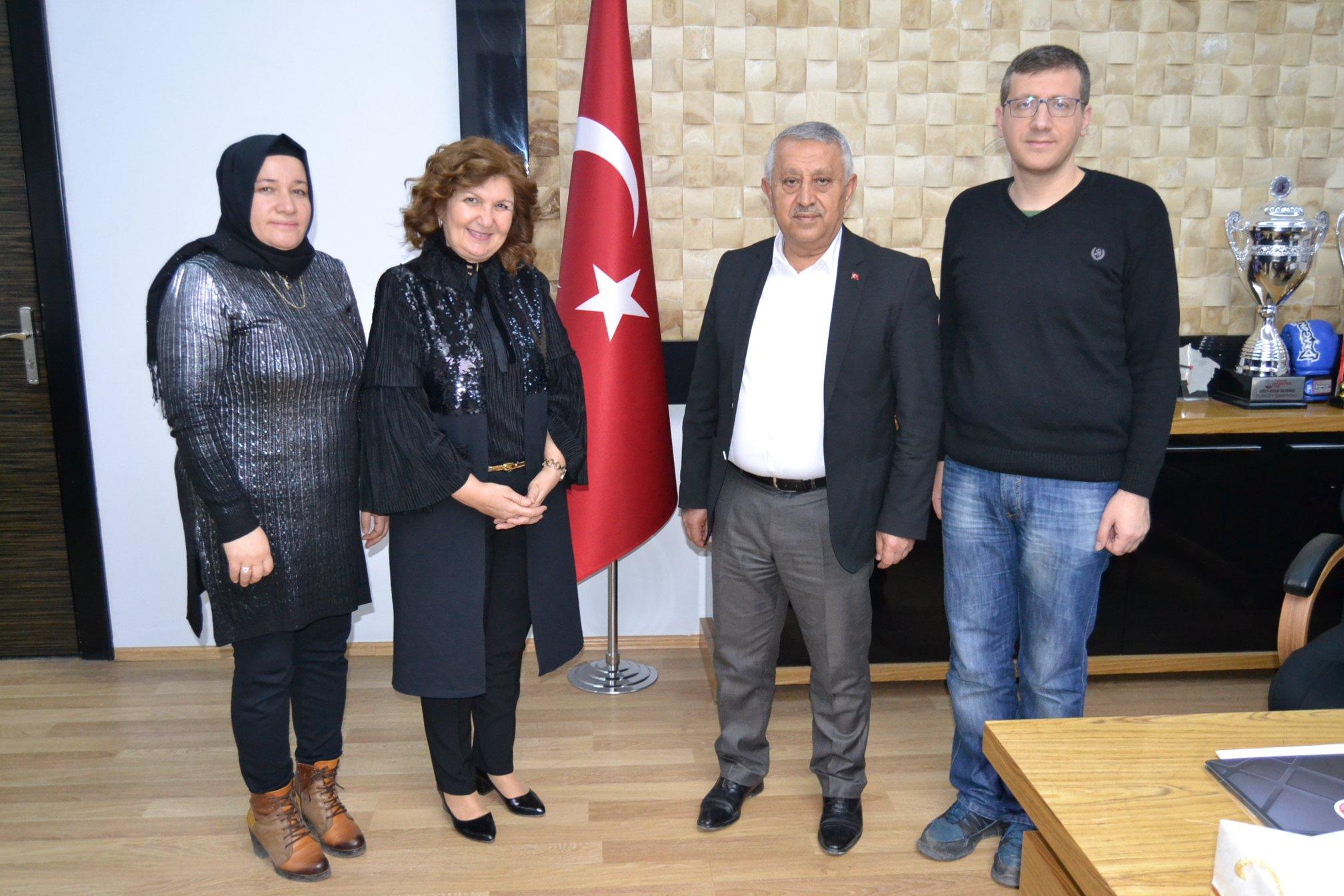 Gün FM ekibinden Başkan Zeybek'e ziyaret
